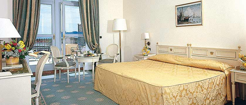 Hotel Savoy Palace, Gardone Riviera, Lake Garda, Italy - bedroom.jpg